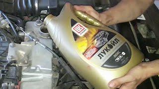 Замена моторного масла на Приоре(Замена моторного масла ZIC 5W30 (полусинтетика) на Лукойл 5W40 (синтетика), а так же Супротек (повторное применени..., 2016-07-09T16:46:11.000Z)