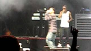 Drake collapses on stage