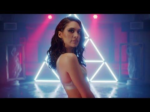 Alaya - Sola Solita (Official Video)