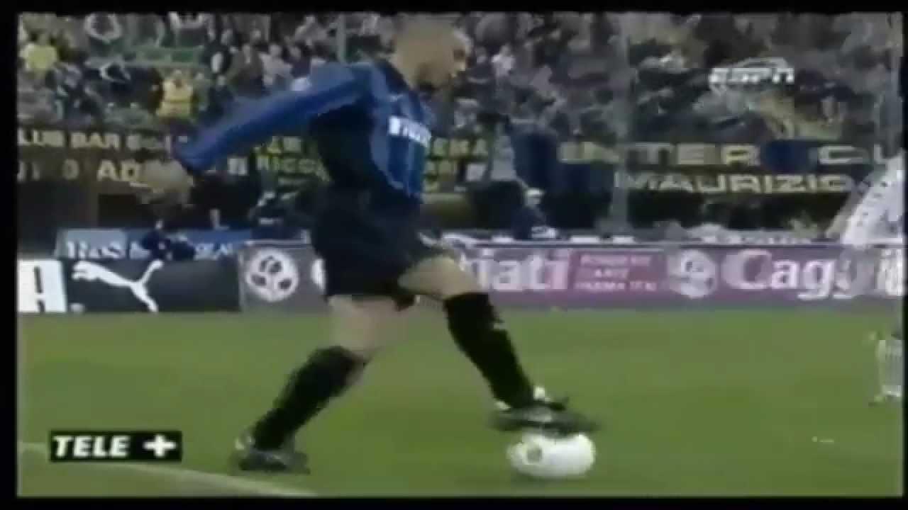 Ronaldo Fenomeno - Best Dribbling, Skills & Goals