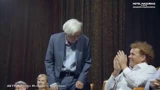 40 Forum Humanum Mazurkas-cz.2-Andrzej Bartkowski przedstawia artystów jubileuszowego FHM