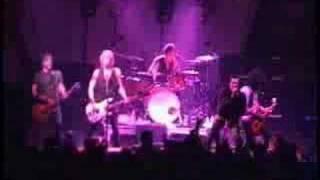 Velvet Revolver performing the Sex Pistols' song, Bodies.