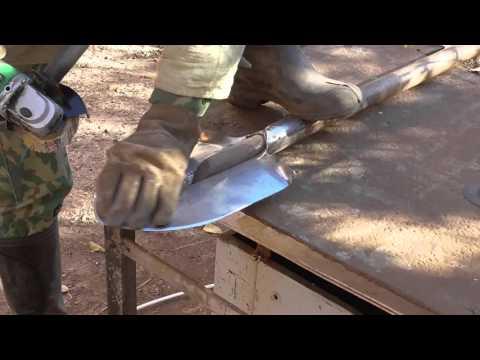 Как наточить лопату в домашних условиях видео