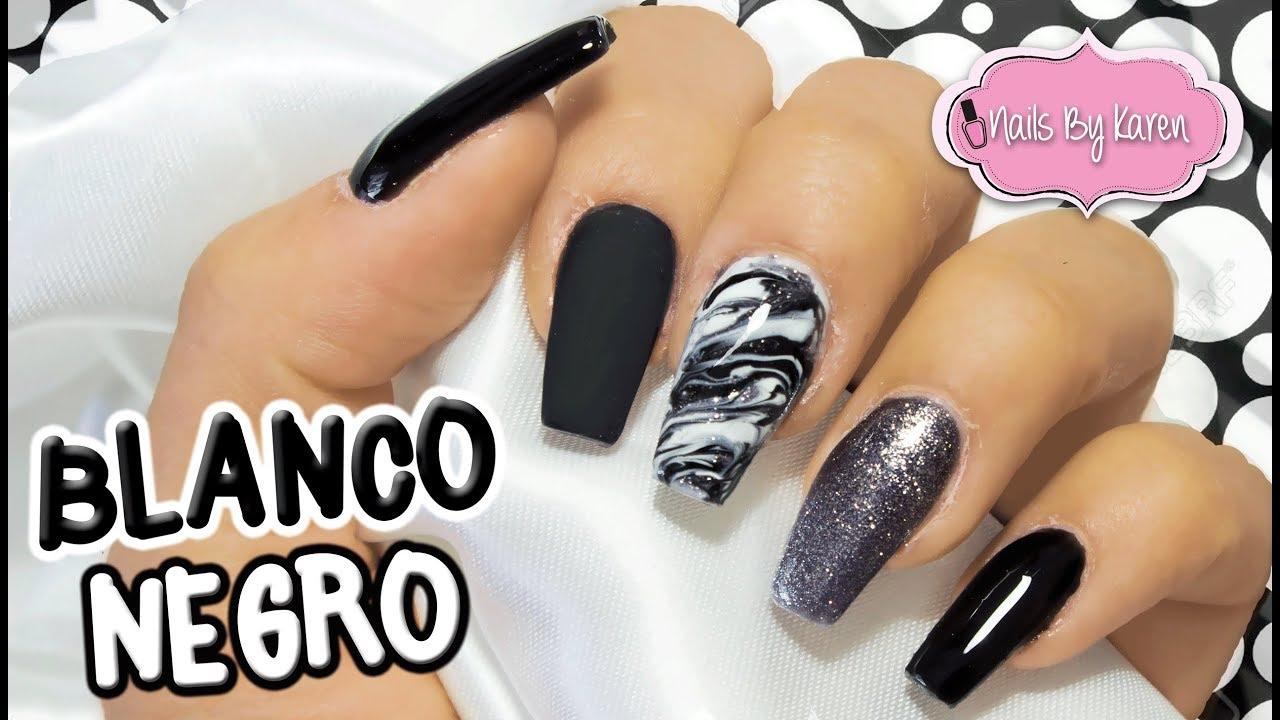 Uñas Blanco Y Negro Con Efecto Marmoleado