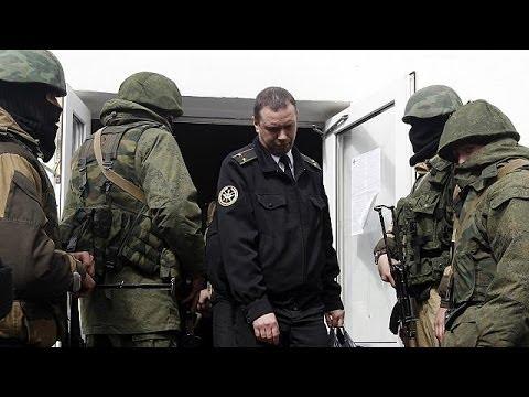 Pro-Russian troops take