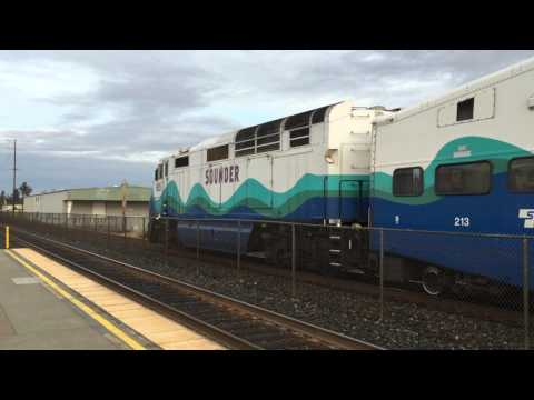 Sounder stopping at Puyallup, reverse AM commute Seattle - Tacoma