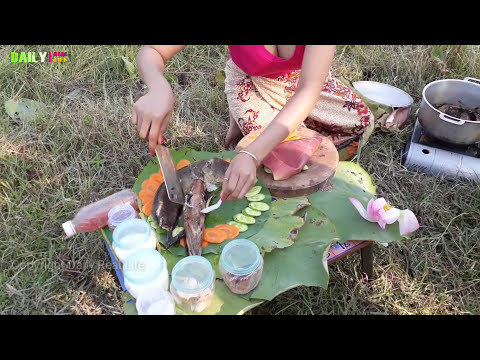 OMG!! Pretty Girl cooking a big fish With banana flower Traditional cambodia food