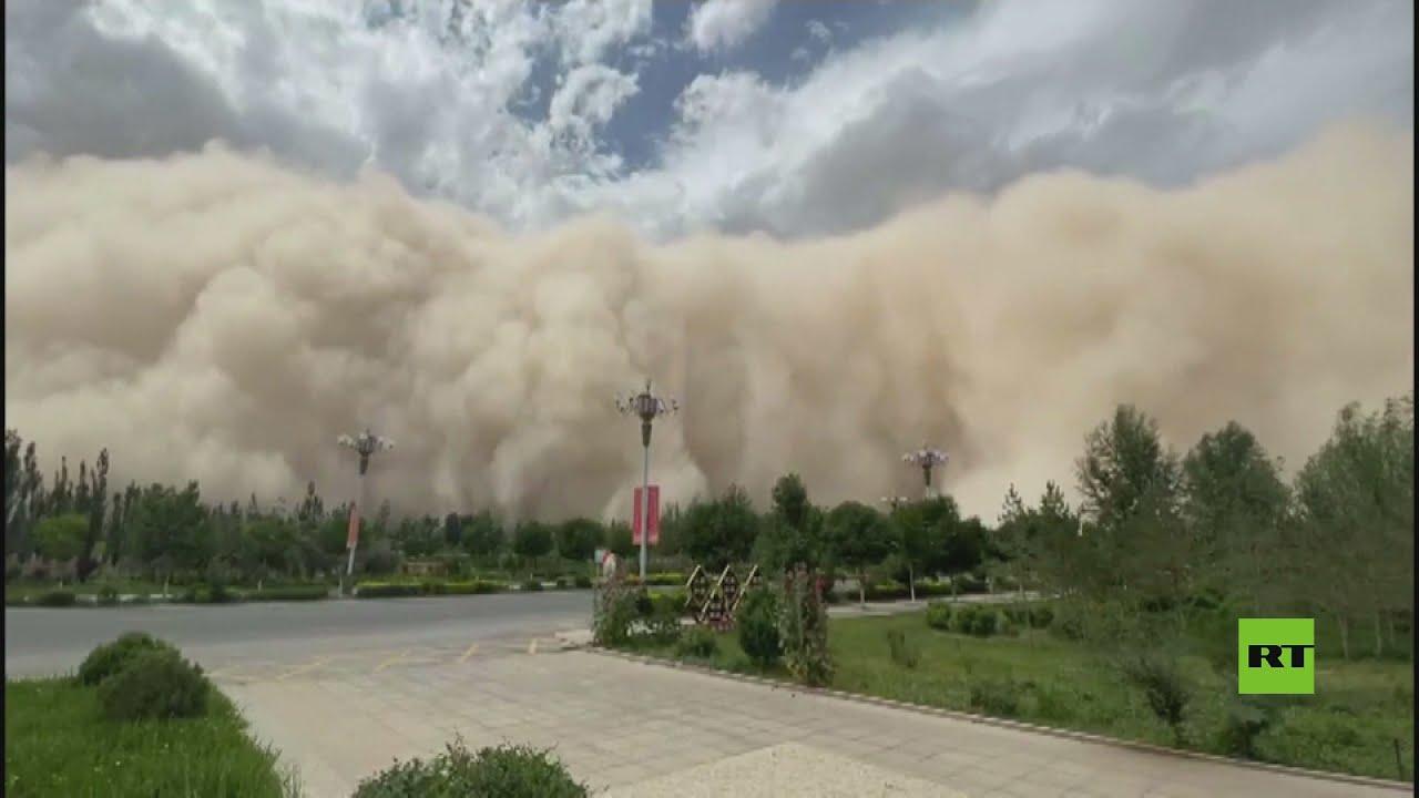 مشاهد لـ عاصفة رملية هائلة تجتاح مناطق شمال غرب الصين  - نشر قبل 46 دقيقة