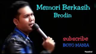 Gambar cover Memori Berkasih Mp3
