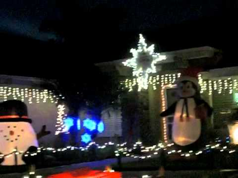 Christmas Lights In Camarillo 2021 Holiday Lights And Decorations On Gemini Waverly In Camarillo Youtube