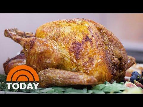Martha Stewart's Upside-Down Thanksgiving Turkey With John Besh's Oyster Dressing | TODAY