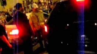 BMW M1 vs. Jeep Grand Cherokee SRT8 (без коментов)(Не знаю чьё видео , скачал из контакта и залил сюда Вступай в группу в ВК https://vk.com/club72394145 Подпишись на канал..., 2011-09-09T10:28:32.000Z)