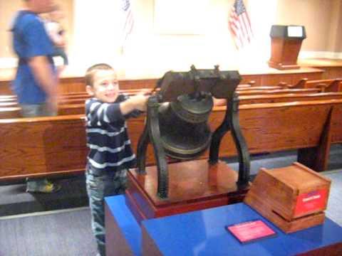 Ringing the Liberty Bell.avi