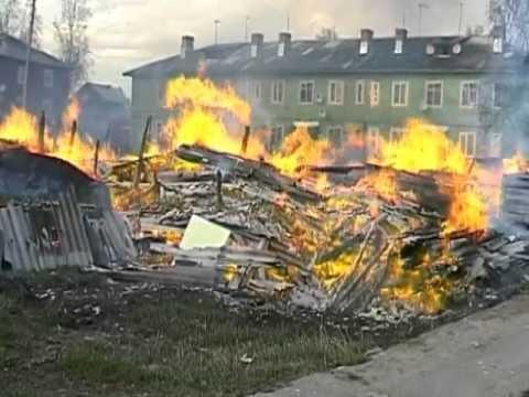 В Великом Устюге сгорело 2 жилых дома.