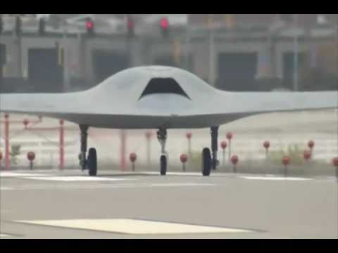 Boeing - Phantom Ray UCAV Completes Low-Speed Taxi Tests [480p]