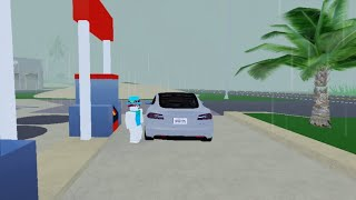 Woman Tries Putting Gas in a Tesla but it's in Roblox