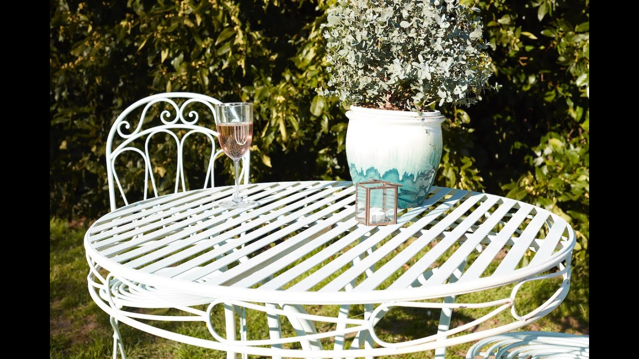 Upcycling metal furniture with Wickes