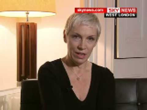 Mideast Crisis: Annie Lennox tells Sky...