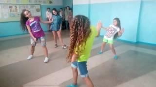 Танец Шоу Герлз