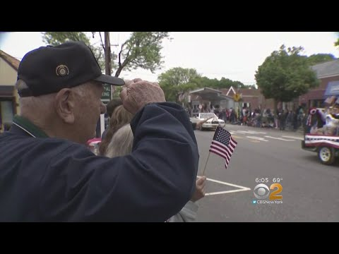 Fallen Heroes Remembered At Memorial Day Parade In Massapequa Park