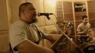 เหตุผล (Acoustic Version) - ต้อง & เจนนี่