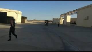 لحظة سقوط طائرة إسرائيلية ومقتل قائدها بعد قصفها بغزة .. فيديو