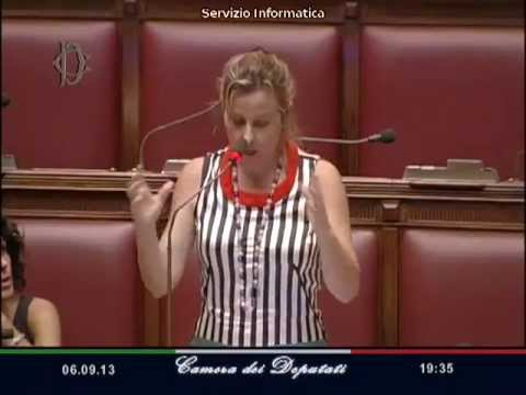 Grillo m5s bagarre e urla in parlamento video della for Parlamento m5s