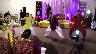 OMG Wedding - 3 Man Mehndi Dance - Gangnam Style(The 3 Man Mehndi Dance was performed by the groom's brother, Haaris Mirza, along with his friends at the Mehndi of Bhangra Empire Co-Captains, Omer Mirza ..., 2012-11-15T21:21:44.000Z)