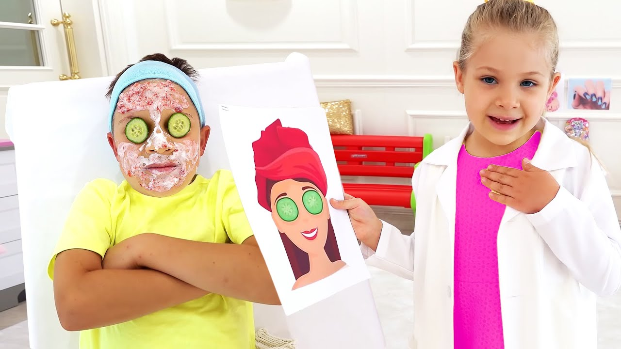 Download Diana pretends to have her own beauty salon with New kids makeup kits!