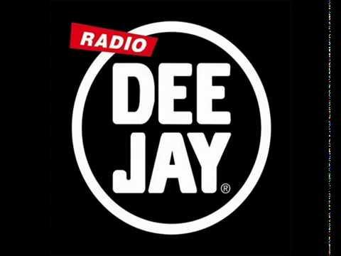 Canzone di natale radio deejay fabri fibra