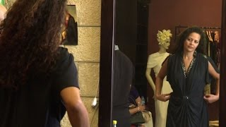 بالفيديو: مصمم أزياء عالمي فلسطيني يعرض أزياءه في رام الله