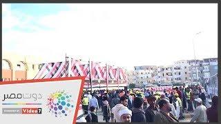 طوابير أمام مدرسة الفردوس بمدينة بدر للمشاركة بالاستفتاء
