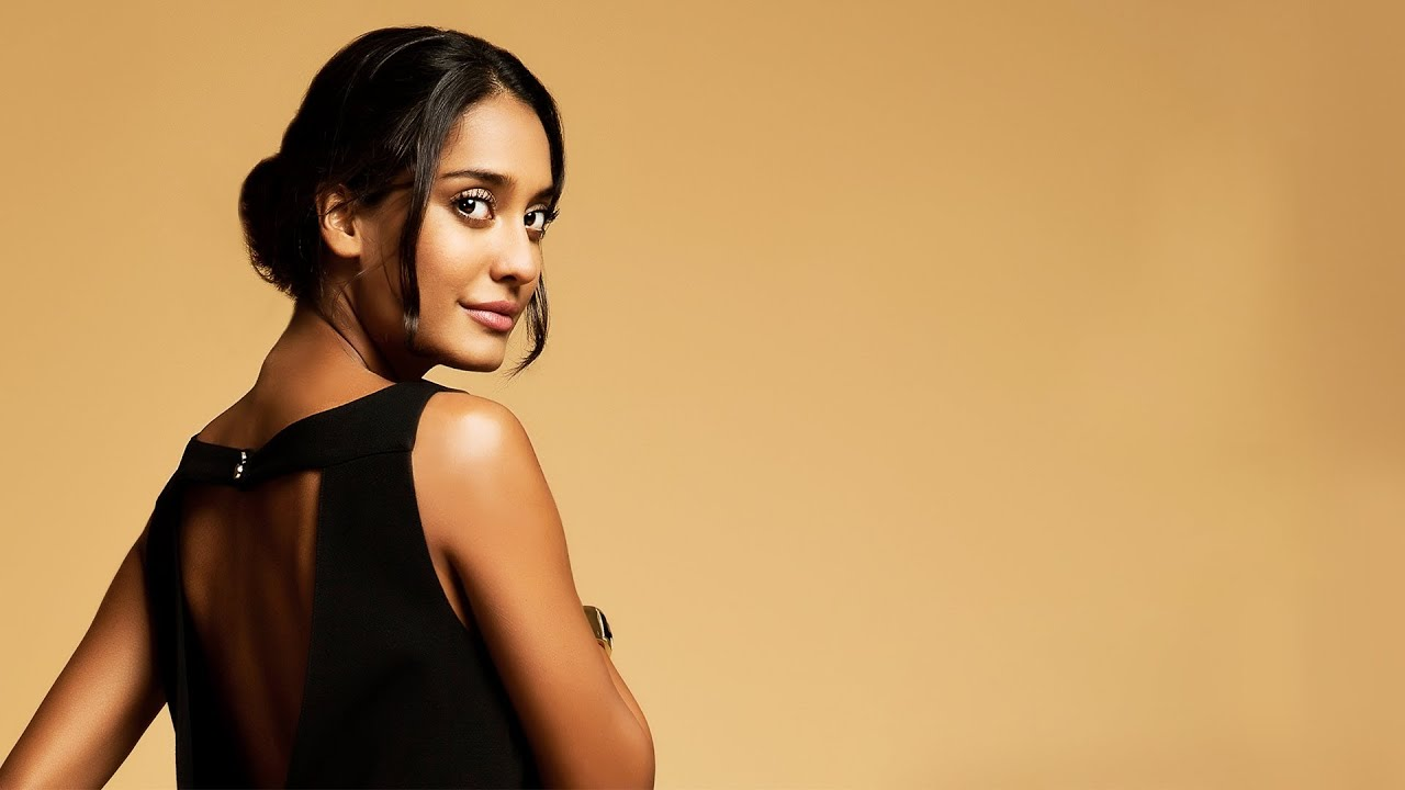 actress lisa haydon sharing her fashion persona with style mynt youtube. Black Bedroom Furniture Sets. Home Design Ideas