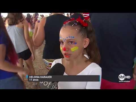 Carnaval infantil agita o último dia de folia em Itajaí