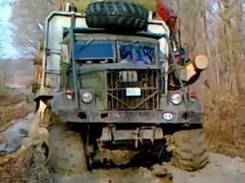 Camion con Carga Atascado en Fango