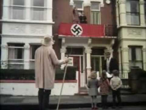 Monty Python: Hitler in England