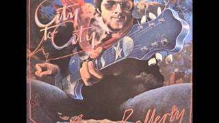 "Gerry Rafferty - ""Right Down The Line"""