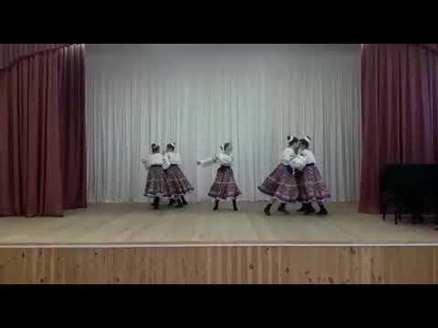 """Хореографический ансамбль """"Златница"""". """"Сплетницы""""-народный сюжетный танец."""