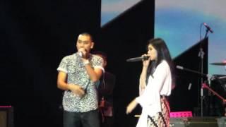 Video Isyana Sarasvati - Kau Adalah (feat. Rayi Putra) Live Java Jazz 2016 download MP3, 3GP, MP4, WEBM, AVI, FLV November 2017