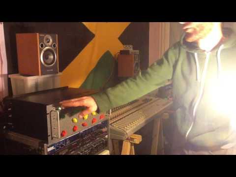 The MFX (Mega Fx boX) Demo part 1