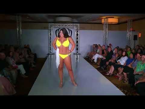 Emma Loney - Miss Wisconsin Earth United States 2017 (Swimwear)
