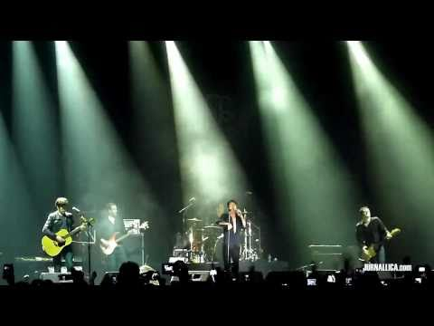 Suede - Beautiful One (Live in Jakarta, Indonesia, 19 March 2011)