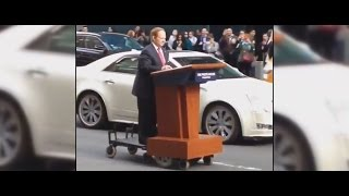 Melissa McCarthy As Sean Spicer Spotted In NYC | What's Trending Now!