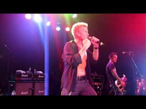 """CAMP FREDDY w/ BILLY IDOL & STEVE JONES """"Dancing With Myself""""  live @ The Roxy 12-17-10"""