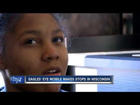 "Philadelphia Eagles ""Eye Mobile"" stops by Racine's Horlick High School"
