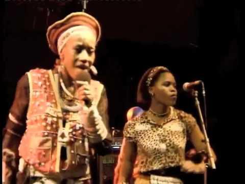 Busi Mhlongo Live Zithin' izizwe live at Nantes &...