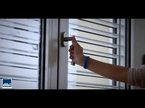 Di bi infissi in acciaio ferro finestra by dibigroup srl for Finestre di artigiano
