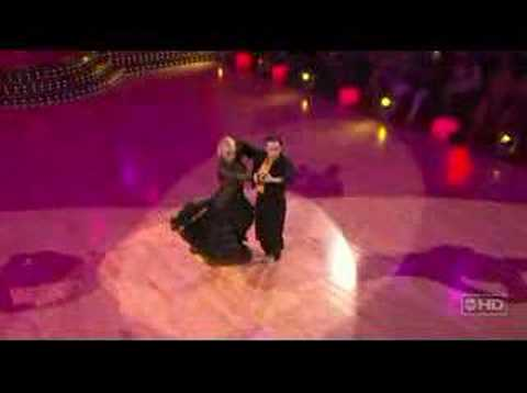 Apolo Anton Ohno & Julianne - Paso Doble (Encore)