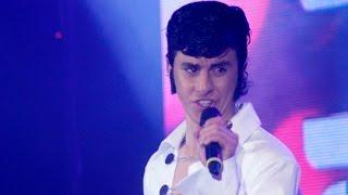 "Elvis Presley interpretó ""Blue suede shoes"""