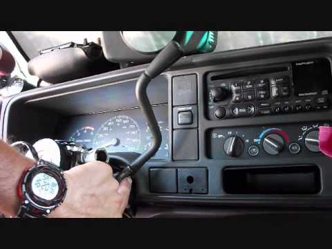 shift lever with tow haul and up down on 952000 GM trucks